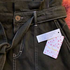 NWT FREE PEOPLE army shorts. Size 6.